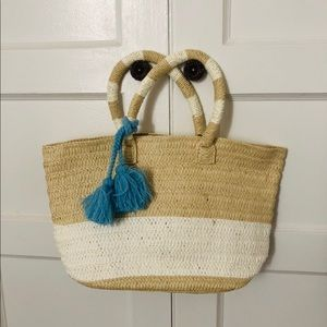 Causebox strawbag with blue tassel